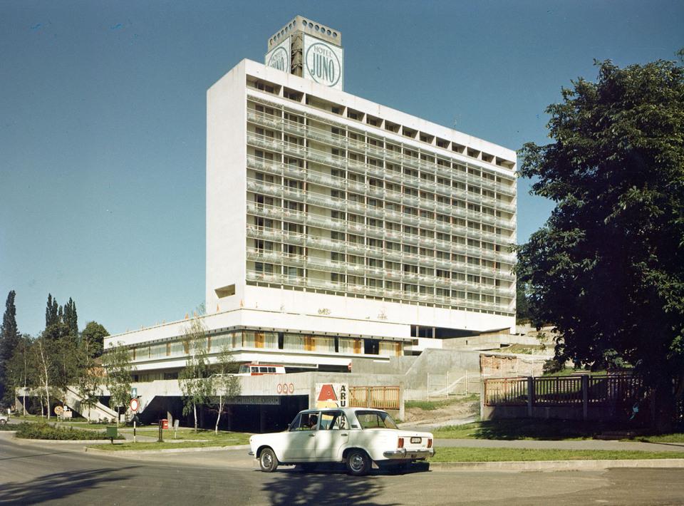 Hotel Juno, Miskolc – építész: Plesz Antal – fotó: https://mmakademia.hu/