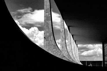 Paláció do Planalto, Brazíliaváros. Oscar Niemeyer, 1960. Fotó: francisco willian saldanha, Wikimedia Commons