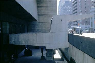 Whitney Museum of Modern Art – terv: Breuer Marcel, 1966 New York – Forrás: Imageworks, Art, Architecture and Engineering Library, University of Michigan, Edward C. Olencki, 1967